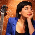 カミラ・メサ 来日インタビュー|新作『Ambar』とジャズ・アレンジャーについて語る